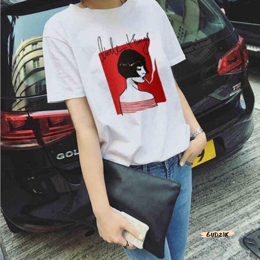 Женская стильная футболка белая с рисунком девушки что курит