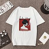 Женская стильная футболка белая с рисунком девушки что курит, фото 2