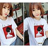 Женская стильная футболка белая с рисунком девушки что курит, фото 3