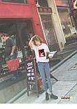 Женская стильная футболка белая с рисунком девушки что курит, фото 5
