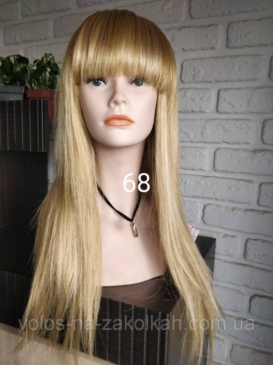 Парик блондинки с челкой LOLITA 24H613