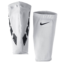 Чулок Nike Guard lock elite sleeve SE0173-103 Белый