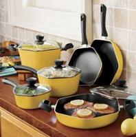 Набори кухонного посуду