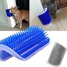 Щітка для вичісування шерсті у кішок на стіну кутова