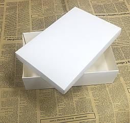 Коробка белая однотонная 280х230х50