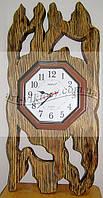 Часы в дереве
