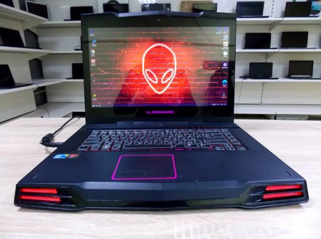 Игровой Ноутбук Dell Alienware M15X + (Core i7) + 8 ГБ RAM + Гарантия