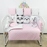 Комплект бортиков и постельного в кроватку с игрушками и облаком с биссерной строчкой в нежно-розовых тонах, фото 1