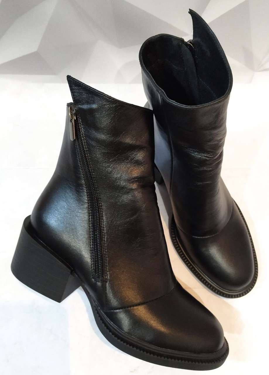 Valentino шик! Кожаные женские полусапожки ботинки зимние на змейке с небольшим каблуком