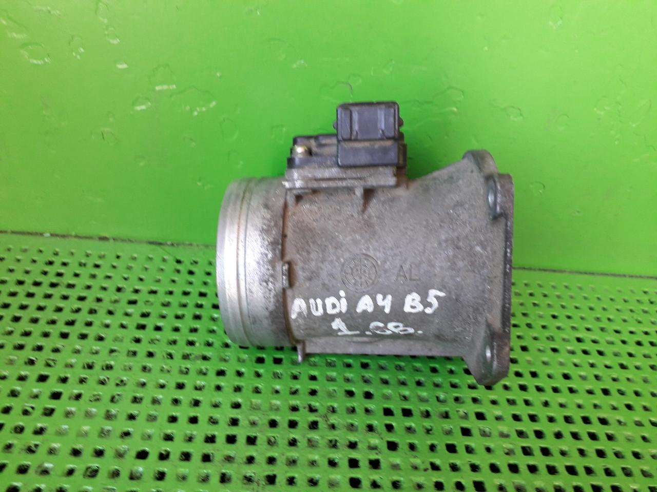 Витратомір повітря для Audi A4 b5 1.6 B 037 906 441b