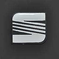 "Эмблема  ""Seat""  пластик/скотч  68х64мм"