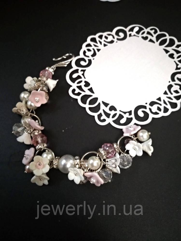 Браслет с цветами и розовым хрусталем