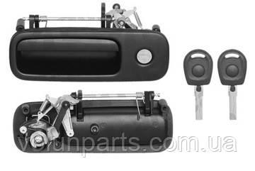 Ручка багажника GOLF 3-4 / SHARAN / CADDY 3 / POLO / ALHAMBRA / LUPO / AROSA  (POLCAR 9541z51)