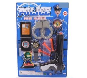 Набор полицейского, пистолет, наручники, патроны на присосках на листе