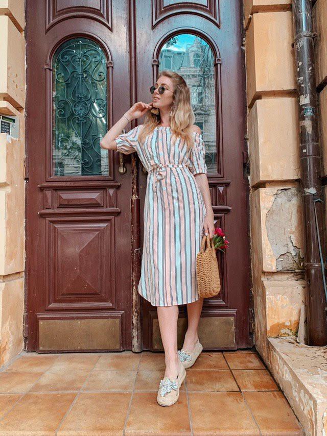 Женское летнее нежное платье в полоску