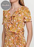 Женское легкое нежное  платье  на запах с рюшей в мелкий принт, фото 4