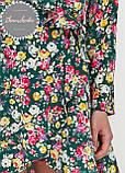 Женское легкое нежное  платье  на запах с воланом в цветочный принт, фото 3
