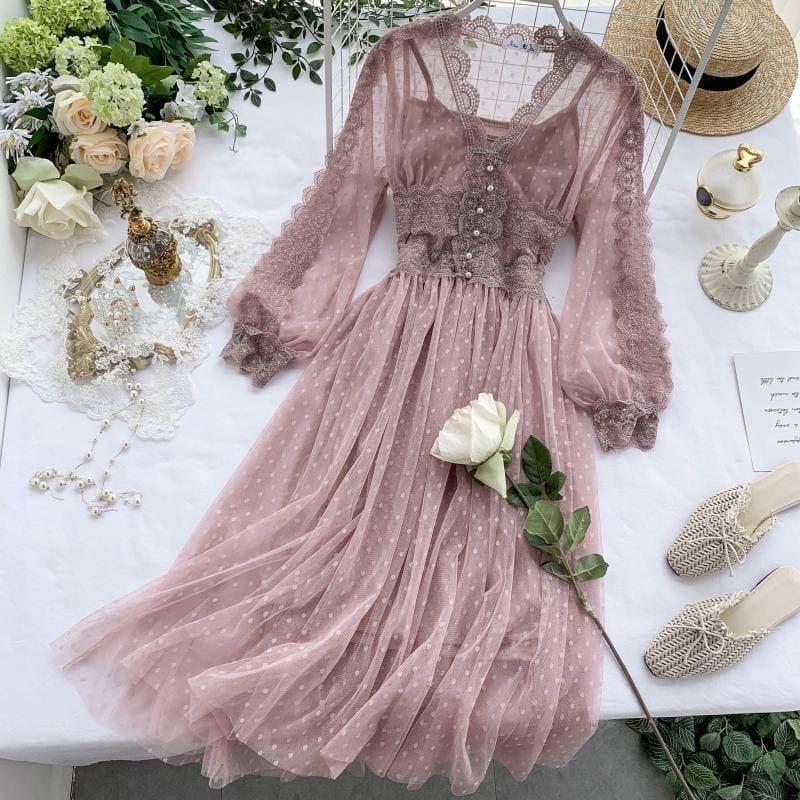 Женское невероятно красивое гипюровое платье в горошек со вставками кружева