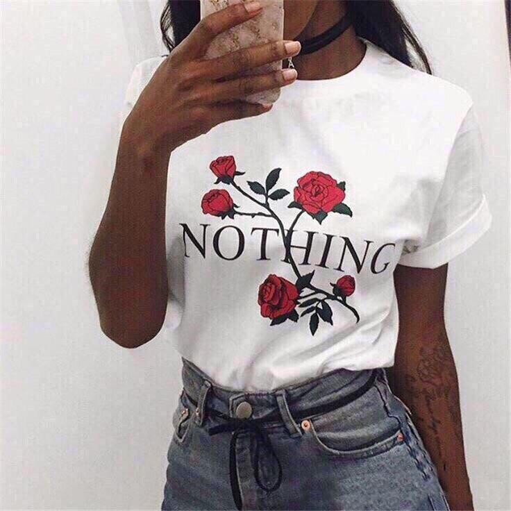 Женская трендовая  футболка с розами