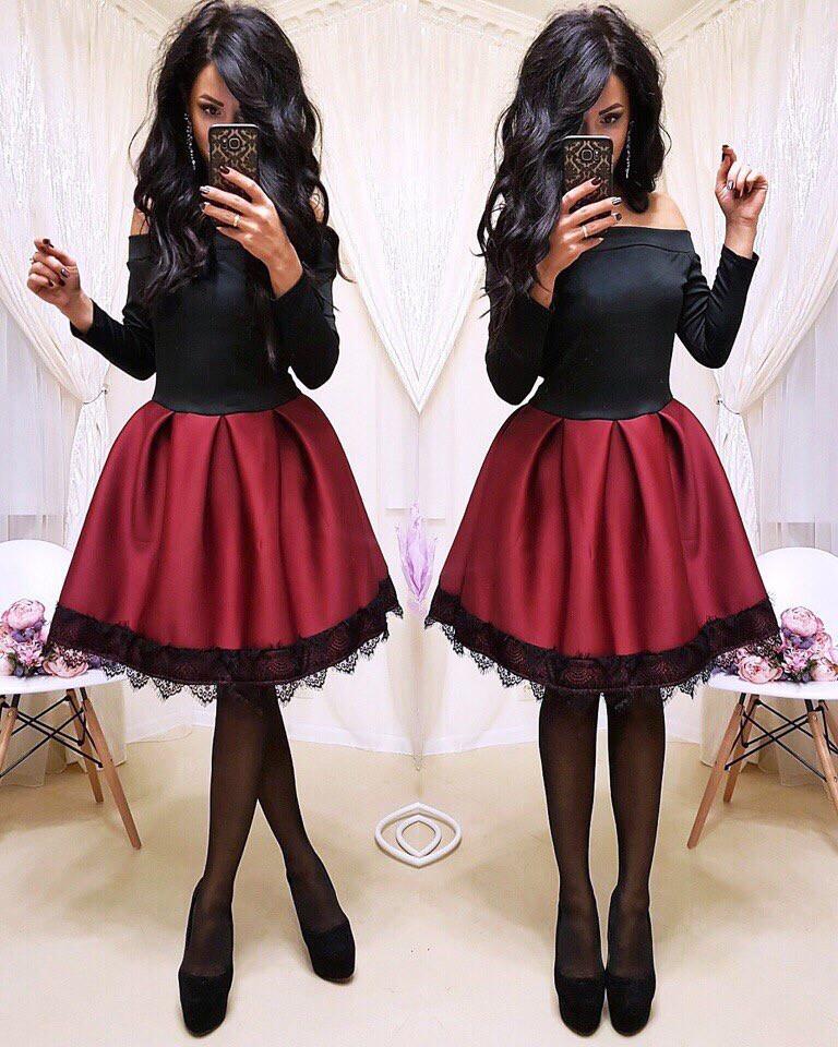 Женское стильное трендовое платье с пышной юбочкой