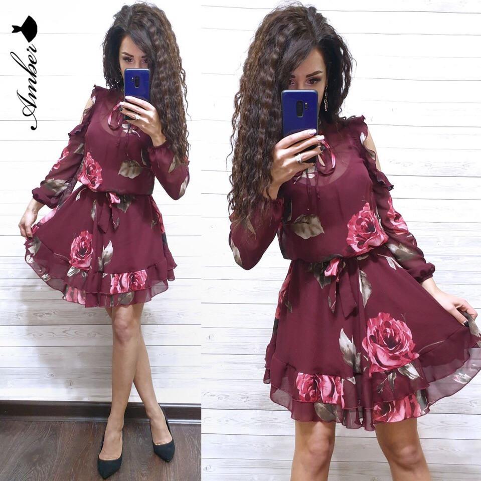 Женское короткое платье в цветочный принт