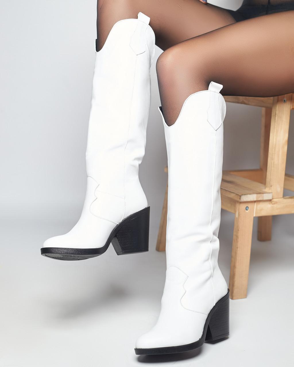 Стильные женские кожаные сапоги
