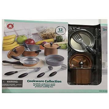 Набір посуду: каструля,сковорідка,кухонний набір мет.,12предм.,в кор-ці №86834(18)