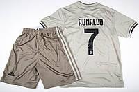 Резервная форма Роналдо футбольного клуба Ювентус, фото 1