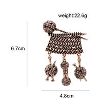 Брошь брошка металл крупная спицы нитки вязание с подвесками темная