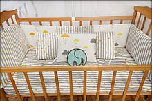 Комплект бортиков в кроватку по периметру 8 подушек (в расцветках)