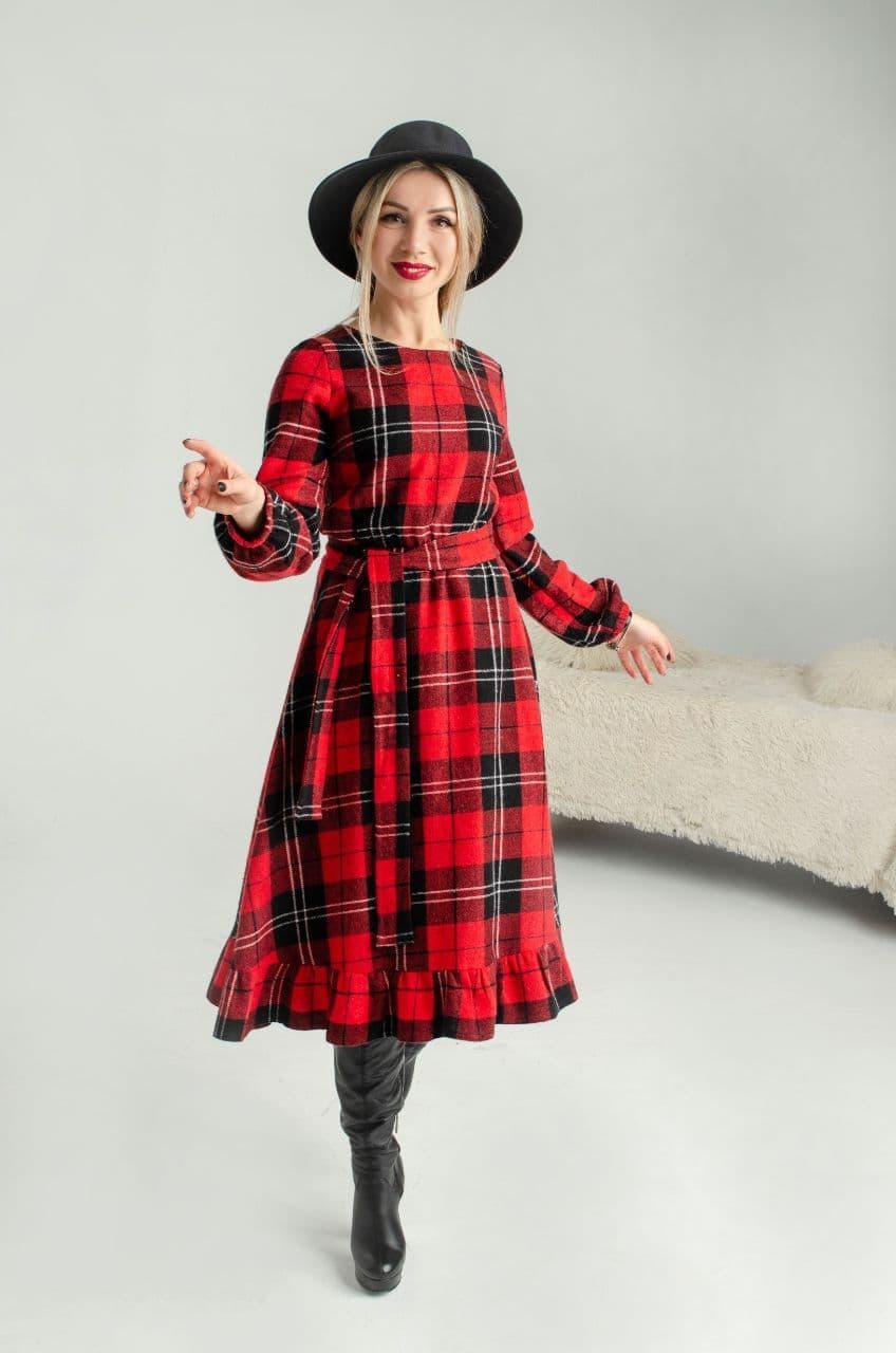 Теплое шерстяное платье, красная клетка