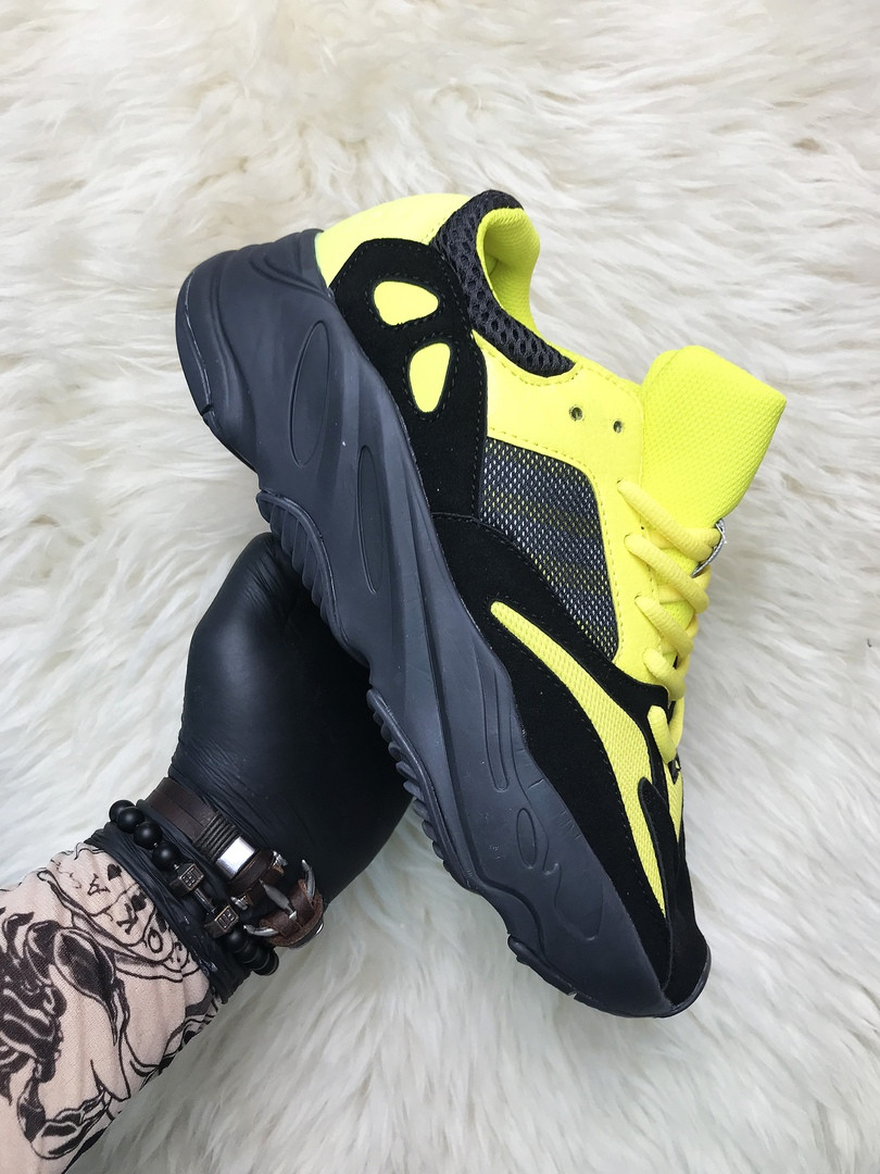 Adidas Yeezy Boost 700 Yellow Black  (Черный)