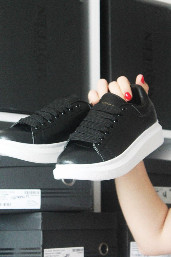 Alexander McQueen Black Leather (Черный)