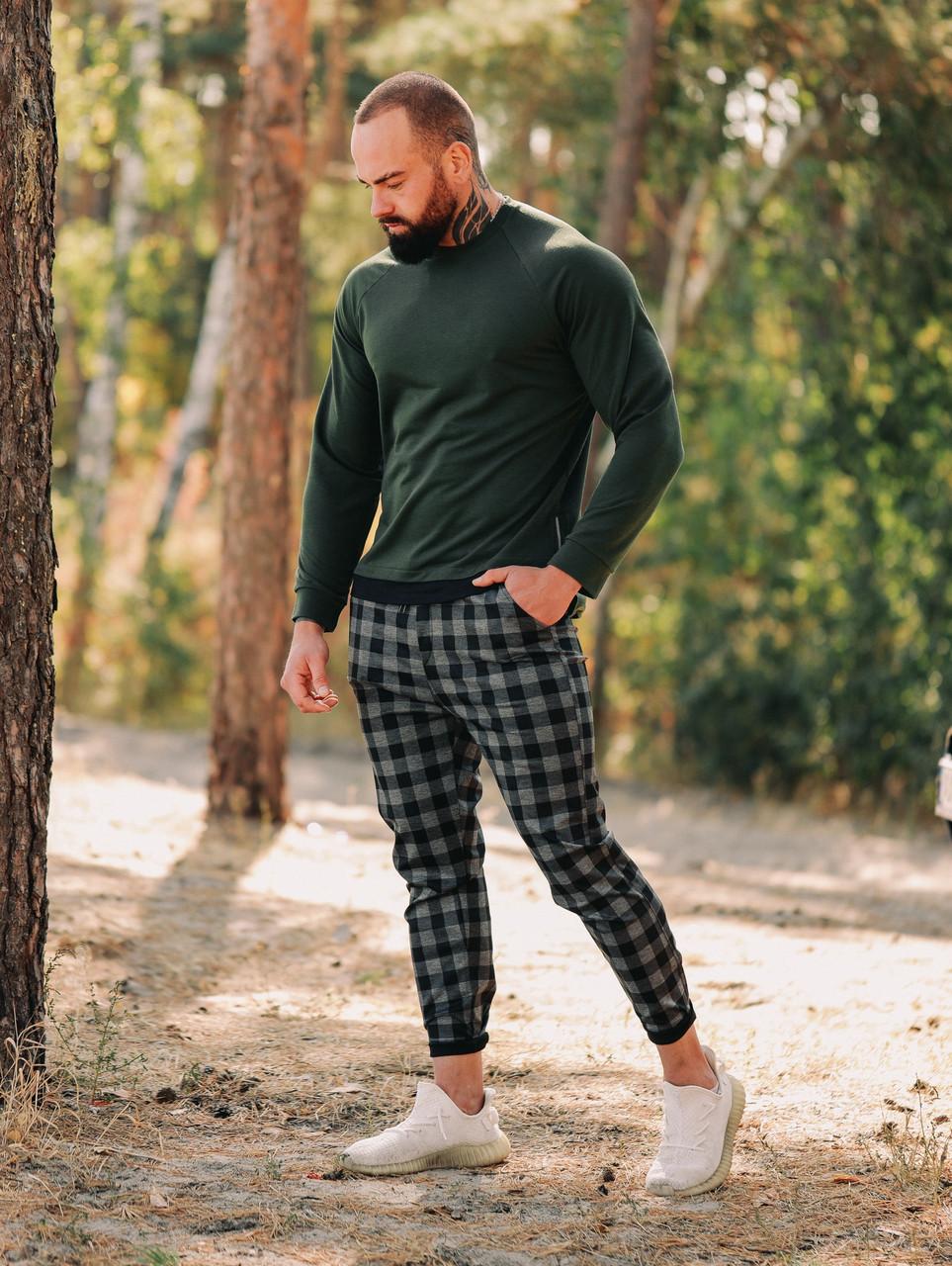 Мужской однотонный темно зеленый свитер свитшот