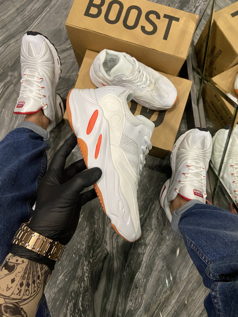 Adidas Yeezy 700 White Red (Белый)