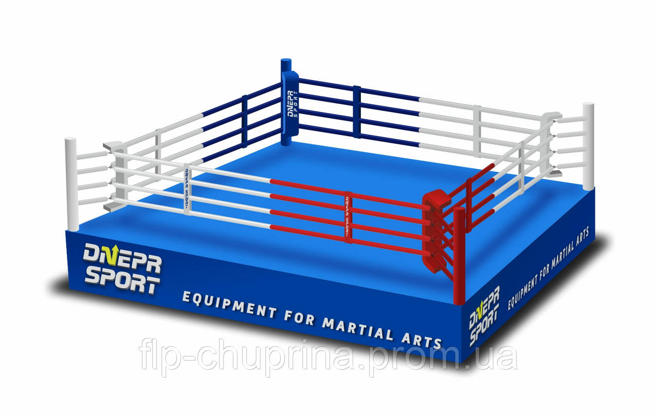 Боксерский ринг на помосте 5*5м, канаты 4*4м.