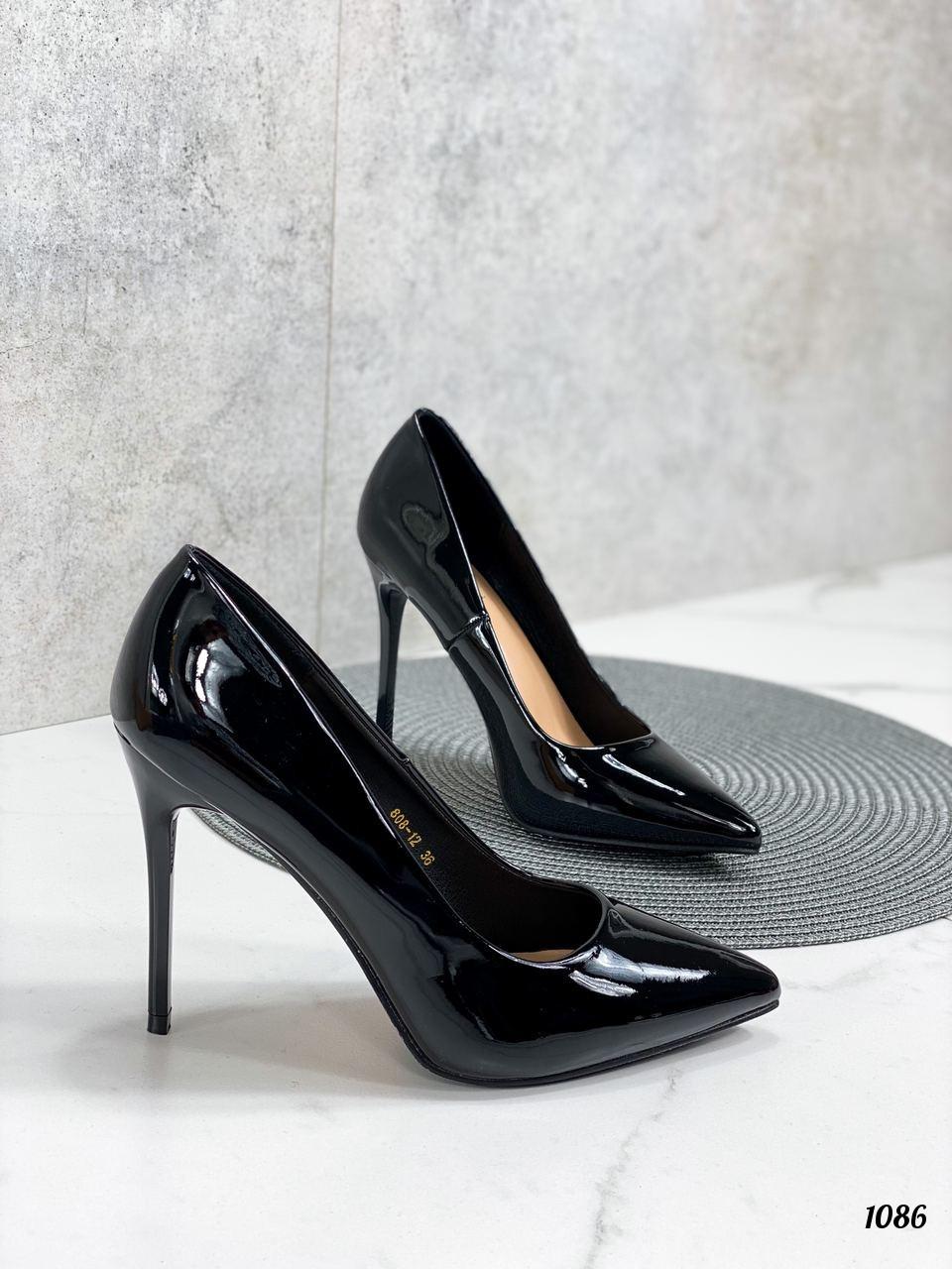 Жіночі туфлі чорні човники на підборах 10,5 см еко лак