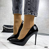 Жіночі туфлі чорні човники на підборах 10,5 см еко лак, фото 2
