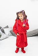 Яркий махровый теплый халат на девочку красного цвета с носочками в подарок