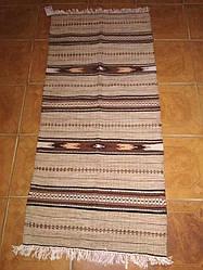 Шерстяна доріжка-килимок ручної роботи бежева