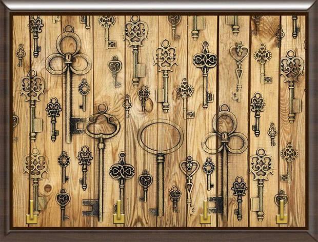 Ключница декоративная ключи на деревянном фоне, фото 2