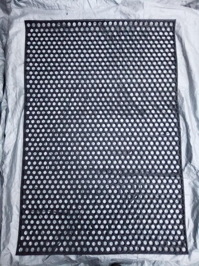 резиновый коврик сота в прихожую