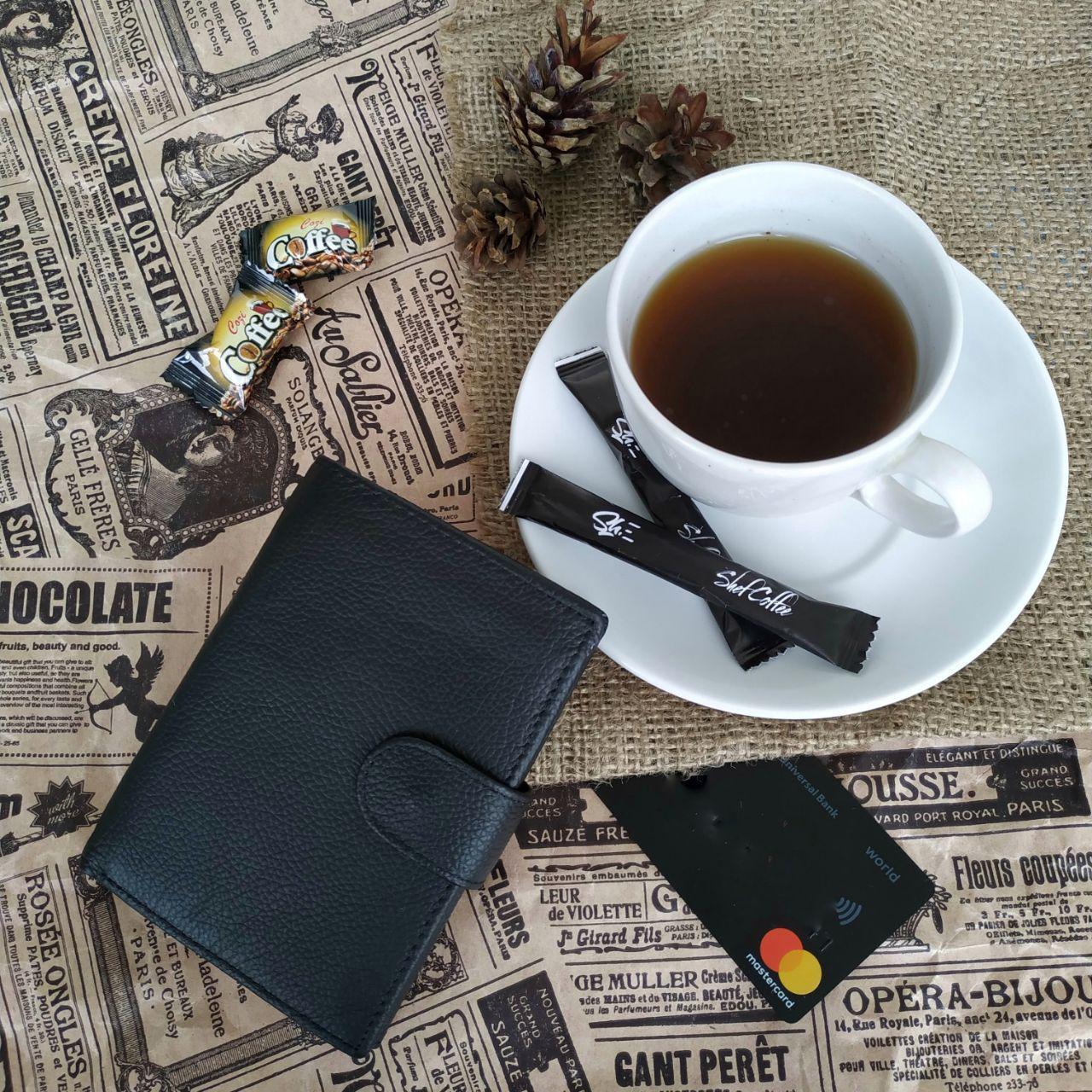 Мужской кожаный бумажник-портмоне. Вместительный и практичный. Два цвета.