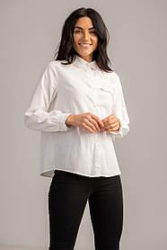 Базовая белая рубашка с длинным рукавом свободного кроя в размере S, M, L, XL.