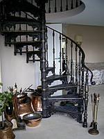 Винтовые лестницы для дома, офиса, ресторана. Глухая или сквозной ступенью. Диаметр от 1200 мм до 2600 мм