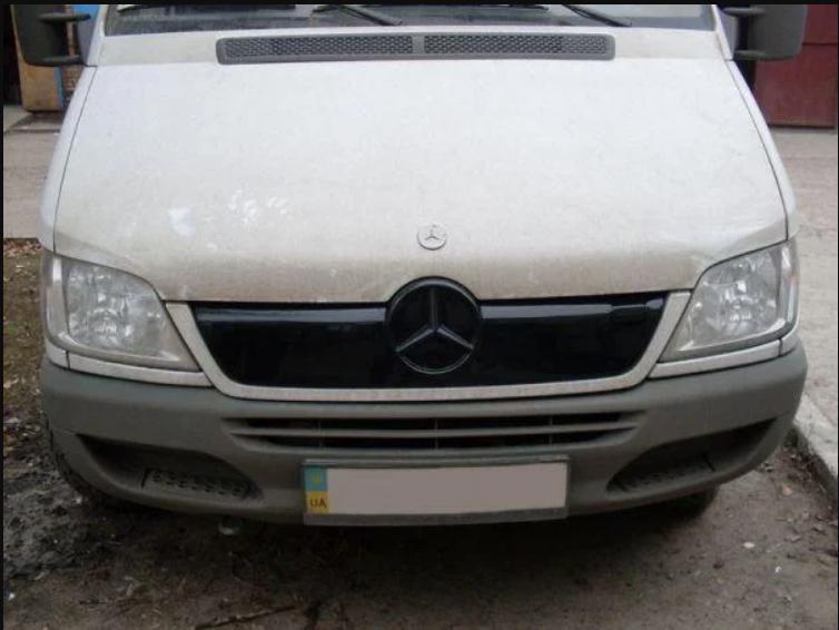 """Зимняя накладка Mercedes Sprinter CDI 2000-2006 на решетку радиатора Увеличенная глянцевая """"FLY"""""""