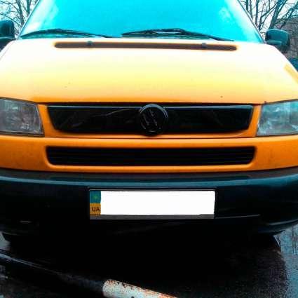 """Зимняя накладка Volkswagen T4 2000-2003 на решетку радиатора глянцевая """"FLY"""""""