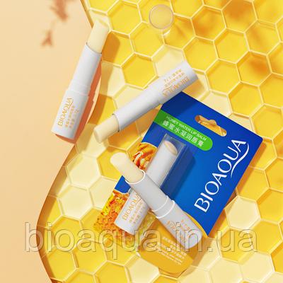 Бальзам для губ с клубникой Bioaqua Honey Lip Balm 2.7g