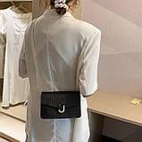 Женская классическая сумочка черная кросс-боди на цепочке рептилия клатч черный, фото 3