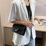 Женская классическая сумочка черная кросс-боди на цепочке рептилия клатч черный, фото 2